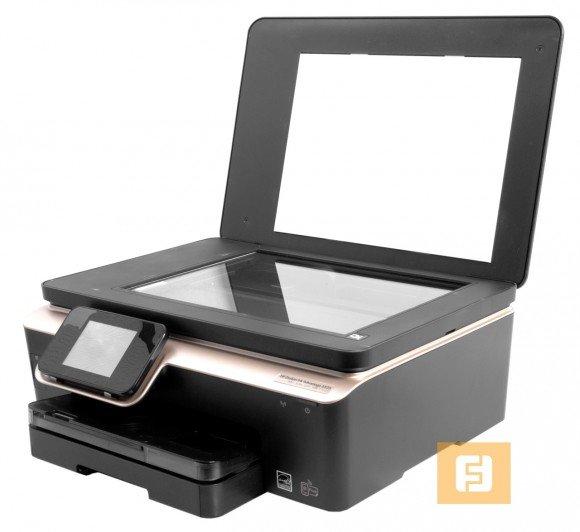 Планшетный сканер не оснащен автоподатчиком документов, за счет чего высота устройства действительно невелика